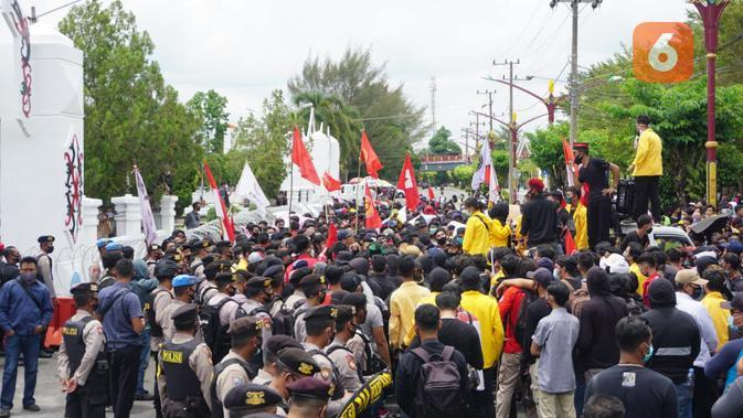 Demo Penolakan Omnibus Law Sambut Kunker Jokowi ke Kalteng