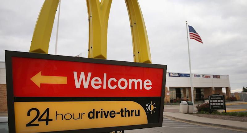 A touching act of kindness unfolded in a Tennessee McDonald's drive thru when a note was passed on.
