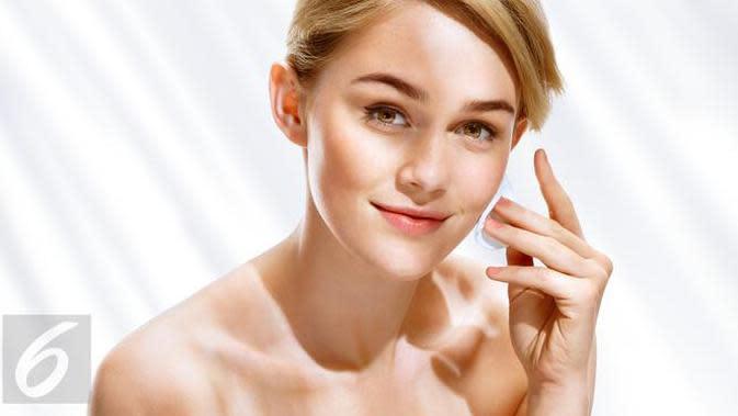 Seiring bertambahnya usia, maka kerutan halus pada wajah juga ikut bertambah. Hilangkan kerutan di wajah dengan krim alami. (Foto: iStockphoto)