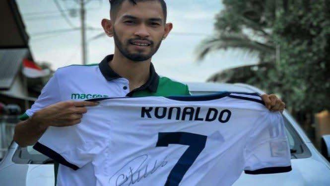 Jersey Lelang Ronaldo Milik Martunis Laku, Harganya Fantastis