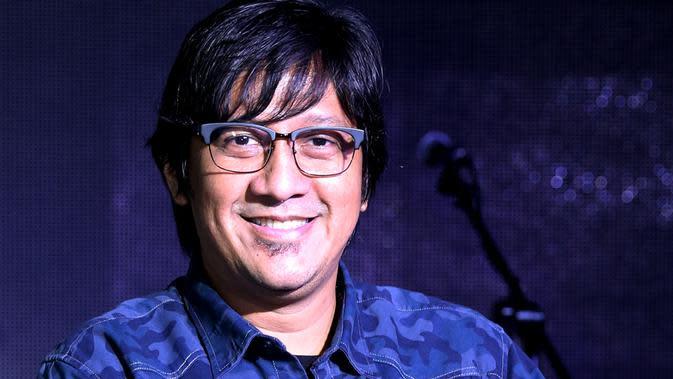 Andre Taulany obati kerinduan nyanyi lagi (Foto: Wimbarsana/Bintang.com)