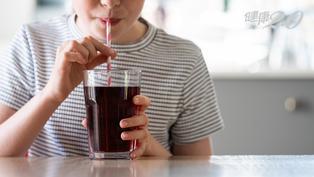 他一天喝一瓶飲料 2大因素導致40歲不到就得洗腎