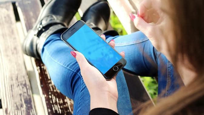 Ilustrasi ponsel (dok. Pixabay.com/Putu Elmira)