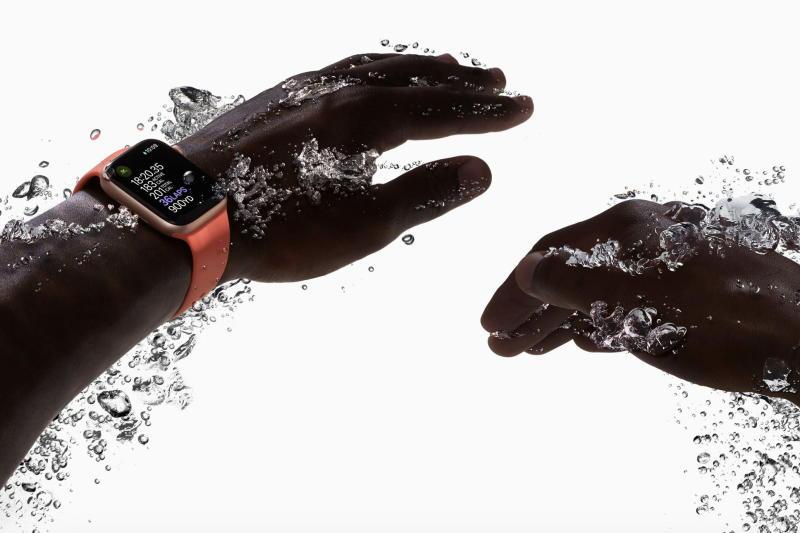 Apple Watch Series 4 Swimming