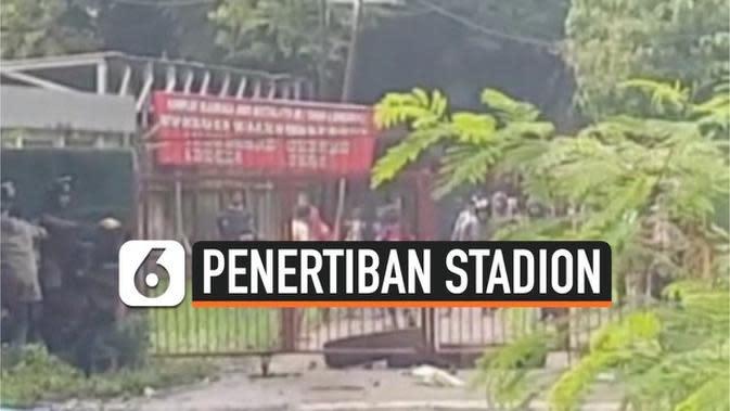 VIDEO: Penertiban Stadion Andi Mattalatta Makassar Berakhir Ricuh