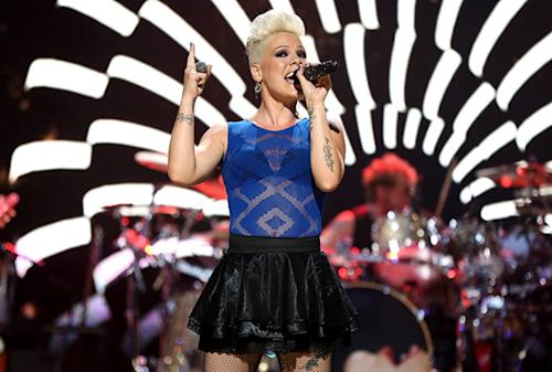 On the Charts: Pink Pops Ahead to Number One