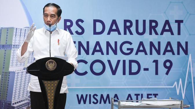 Presiden Joko Widodo memberikan keterangan pers saat meninjau Rumah Sakit Darurat Penanganan COVID-19 Wisma Atlet Kemayoran, Jakarta, Senin (23/3/2020). (ANTARA FOTO/Hafidz Mubarak A/Pool)