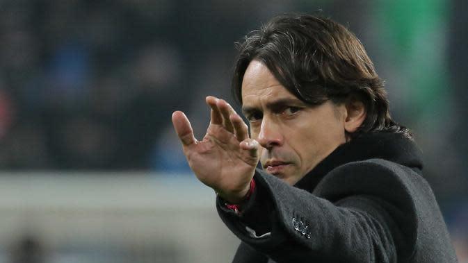 Filippo Inzaghi adalah pelatih muda Italia yang pernah melatih AC Milan, kini masih berada di Milan sebagai salah satu Direksi. (AFP Photo/Marco Bertorello)