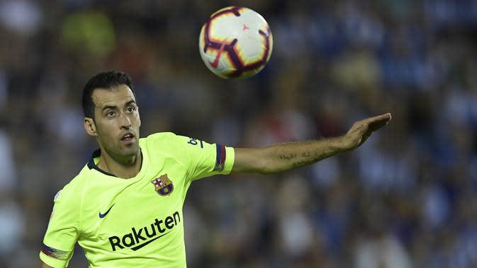3. Sergio Busquets (32 tahun) - Pemain jebolan akademi Barcelona ini telah memasuki usia 32 tahun dan tetap menjadi andalan lini tengah Barcelona musim ini. Busquets tercatat telah 582 tampil membela Barcelona di semua kompetisi. (AFP/Oscar Del Pozo)