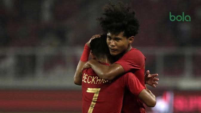 Bagus Kahfi dan Beckham Putra Nugraha saat laga melawan Korea Utara di SUGBK, Jakarta, Minggu (10/11/2019) dalam penyisihan Grup K kualifikasi Piala AFC U-19 2020. (Bola.com/Yoppy Renato)