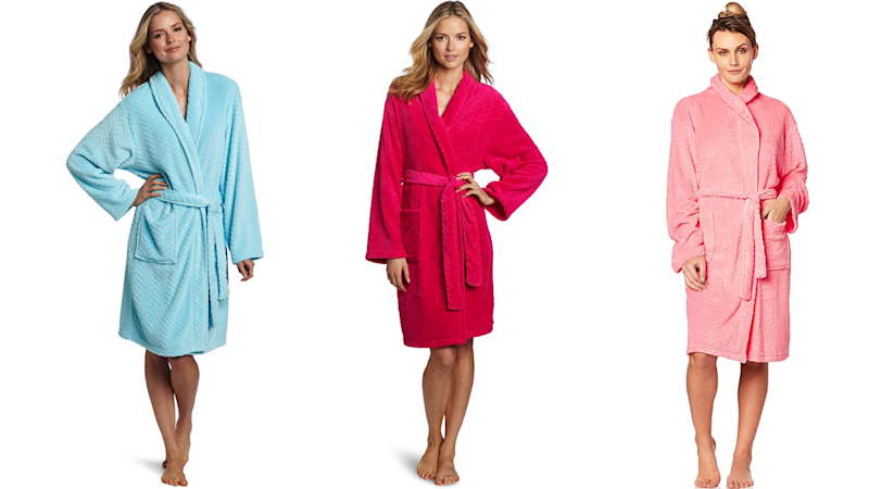Hotel Spa Collection Herringbone Textured Plush Robe. Images via Amazon.