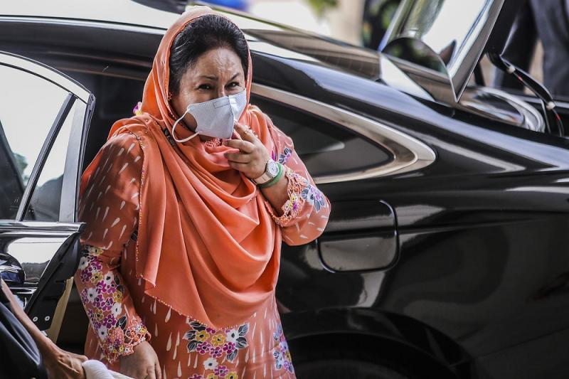 Datin Seri Rosmah Mansor arrives at the Kuala Lumpur High Court October 4, 2020. — Picture by Hari Anggara