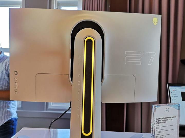 alienware gaming mouse keyboard monitor gamescom 2019 stadium lighting on rear of