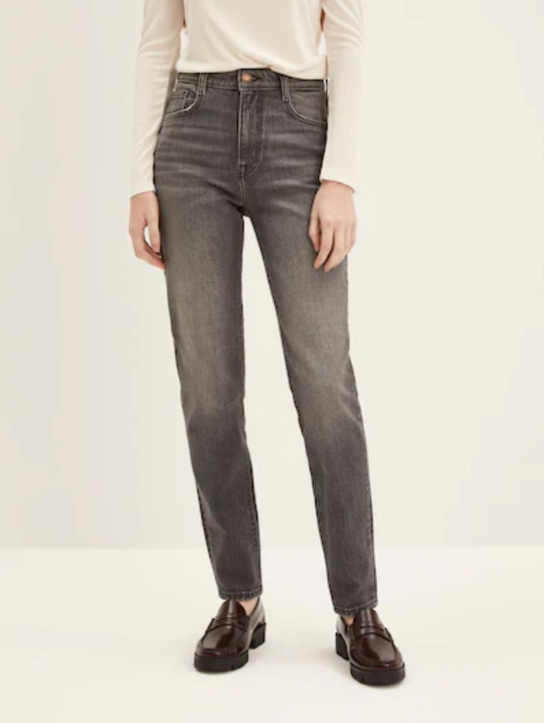 The Kim Comfort Slim Jean. Image via Frank and Oak.