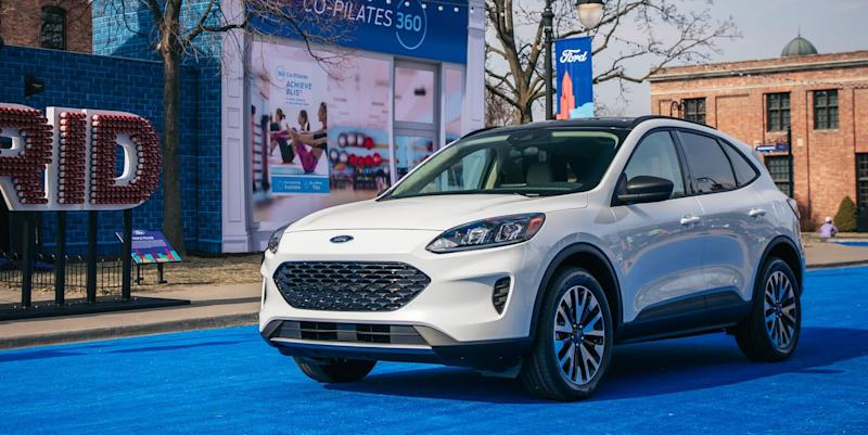 2020 Ford Escape Revives The Hybrid And Adds A Plug In Variant