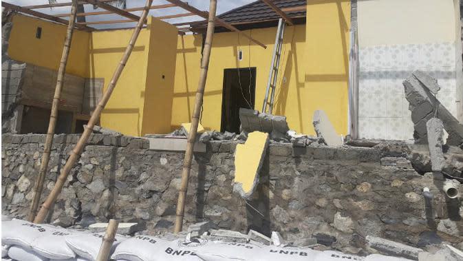 Gelombang Tinggi Porak-porandakan Rumah Warga di Pesisir Gorontalo
