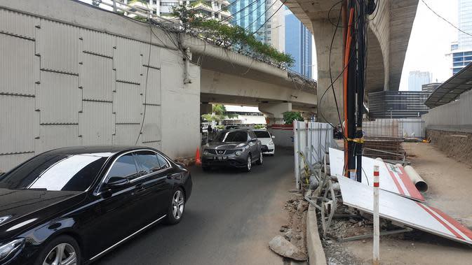 Jalan Prof Dr Satrio, Kuningan, Jakarta Selatan, Sabtu (30/11/2019). (Liputan6.com/ Nanda Perdana Putra)