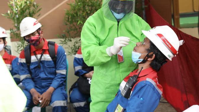 Tes Swab Pertamina Cilacap. (Foto: Liputan6.com/Pertamina)