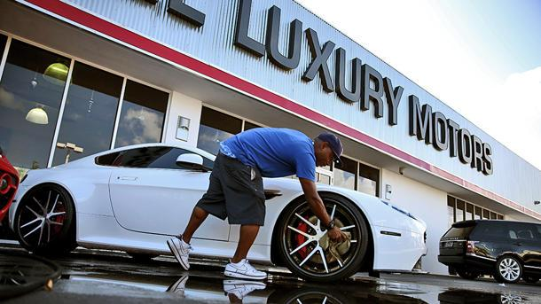 Wall Street boom powers luxury car sales into the fast lane in 2013