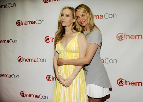 "Leslie Mann, left, and Cameron Diaz, cast members in ""The Other Woman,"" pose together at the 20th Century Fox presentation at CinemaCon 2014 on Thursday, March 27, 2014, in Las Vegas. (Photo by Chris Pizzello/Invision/AP)"