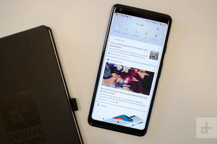 Google Pixel 2 XL notebook close