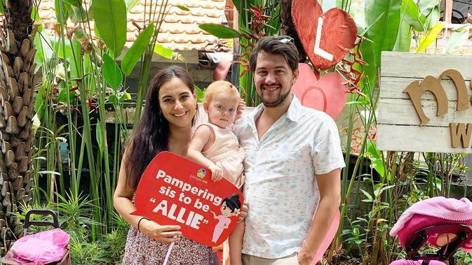 Kehadiran Olivia Luna menjadi anggota keluarga baru. Sebelumnya, Marissa telah melahirkan anak pertama perempuan yang diberi nama Alaia Moana atau biasa disapa Allie. (Instagram/marissaln)