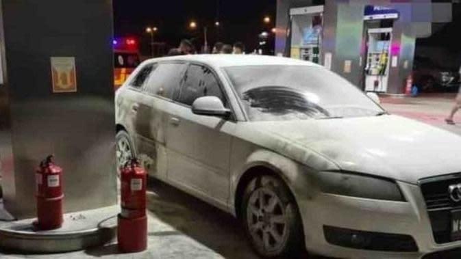 Mobil Mewah Terbakar Saat Isi Bensin, Gara-Gara Lupa Matikan Mesin