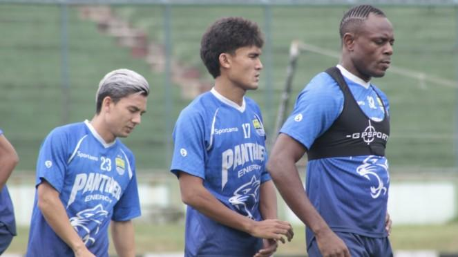 Pemain Persib Bandung; Kim Kurniawan, Zalnando & Victor Igbonefo