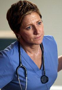Nurse Jackie New Season Scoop, Plus a Season 3 DVD Clip