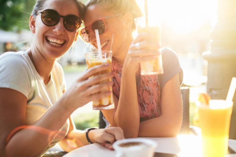 Al fresco drinking can increase the risk of heat stroke [Photo: Getty]