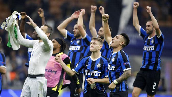 1. Inter Milan - Sepanjang sejarah Serie A Italia, Inter Milan menjadi satu-satunya tim yang tidak pernah merasakan degradasi. Total 18 gelar Scudetto sudah diraih klub yang bermarkas di Giuseppe Meazza itu.(AP/Luca Bruno)
