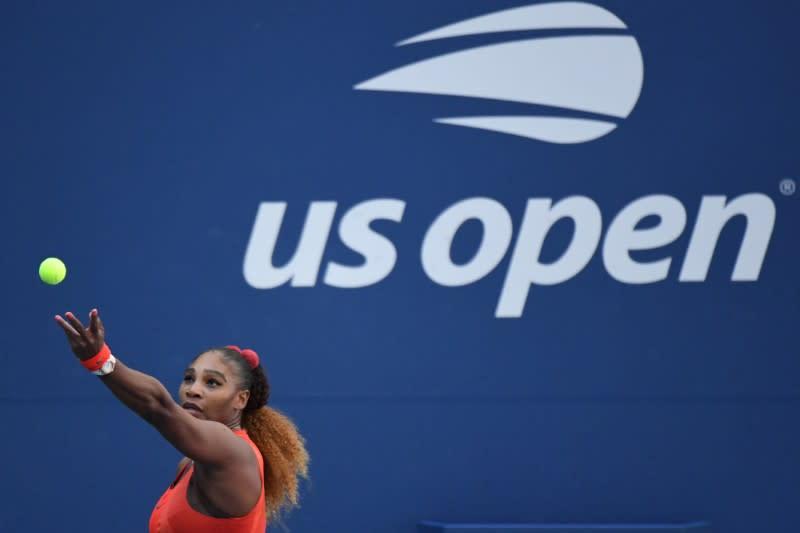 Serena survives Stephens in third-round U.S. Open test