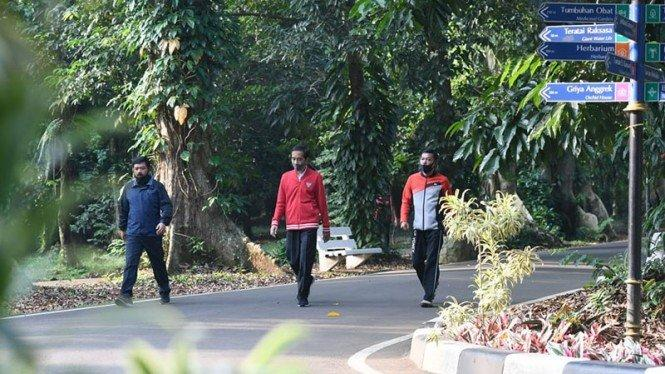 Presiden Jokowi Instruksikan TNI 'Disiplinkan' Masyarakat