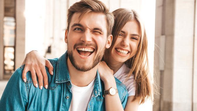 Ilustrasi Pasangan Humoris Credit: pexels.com/pixabay