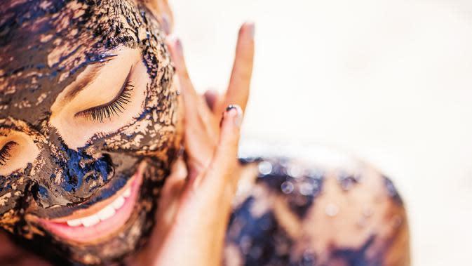 Masker kopi untuk wajah. (Foto: shutterstock.com)