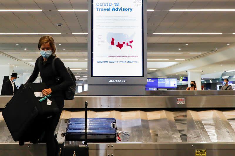 Hospitals, expats blast Trump plan to block U.S. citizens over coronavirus