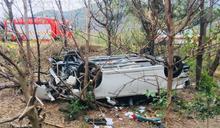 屏東客貨車翻落台26線邊坡 車內6人受傷送醫