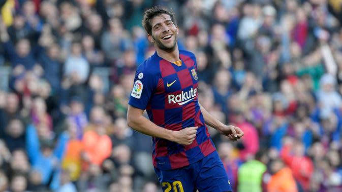 Sergi Roberto - Roberto menjadi pemain yang tetap setia berseragam Barcelona hingga saat ini. Jebolan Akademi Barcelona tahun 2009 ini menjadi pilihan untuk skuat tim utama Blaugrana pada tahun 2010. (AFP/Lluis Gene)
