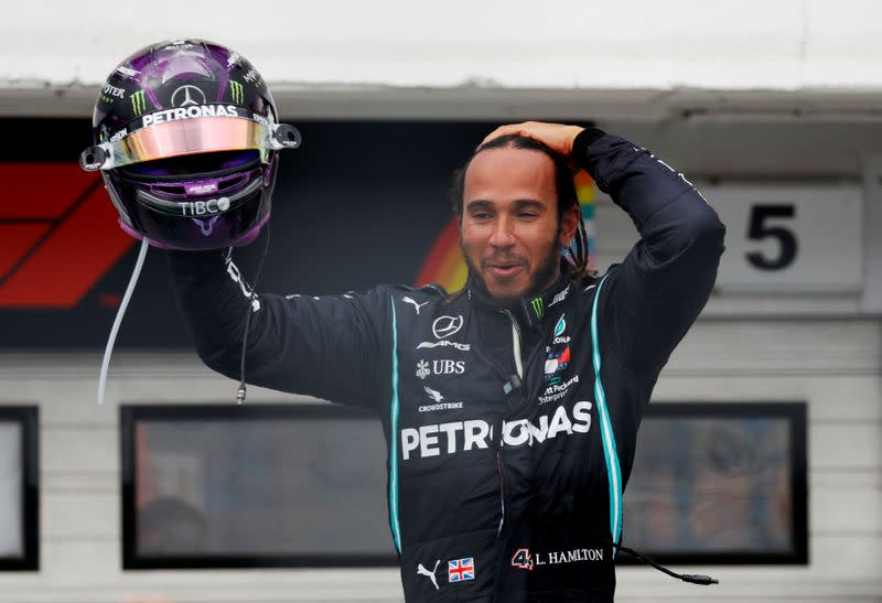 Hamilton wins in Hungary to take championship lead