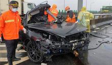 慘況曝!台88線賓士雨天撞護欄 車頭全爛女駕駛慘死