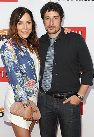 Jason Biggs and His Wife Have a Bun in the Oven!