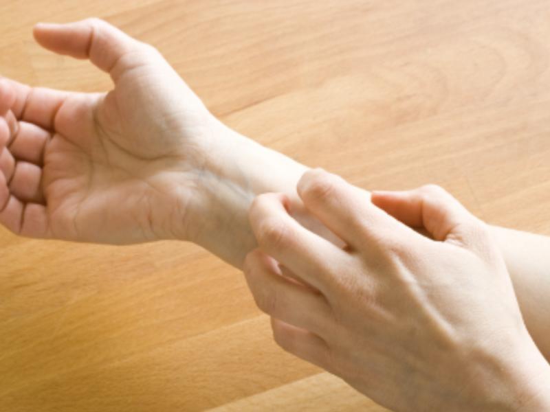 水痘結痂別摳 小心感染留疤痕