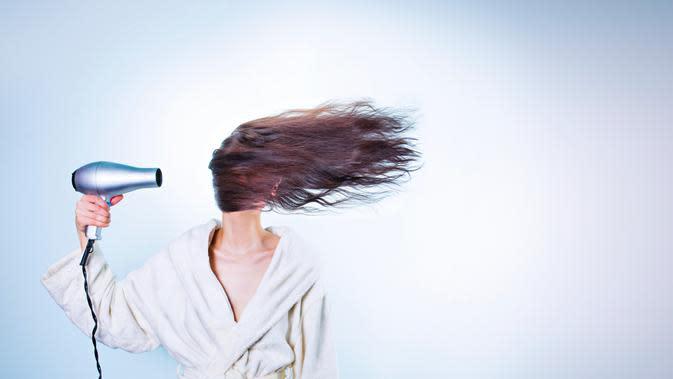 ilustrasi cara sederhana merawat rambut berkilau/pexels