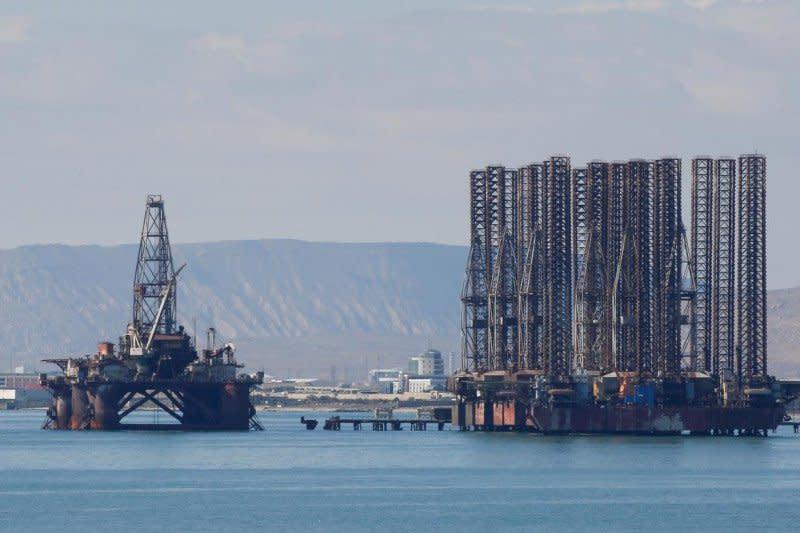 Virus China menyebar, minyak merosot lebih jauh
