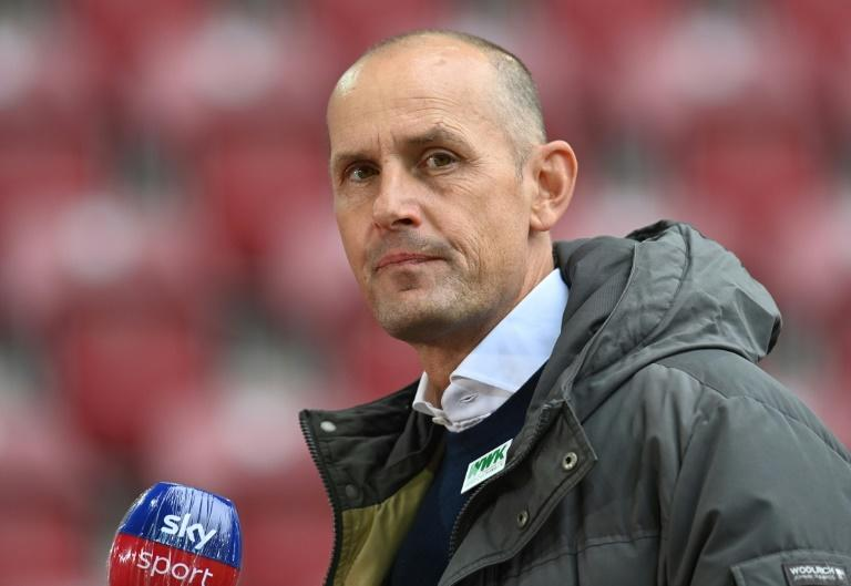 Augsburg boss Herrlich hospitalised with lung problem