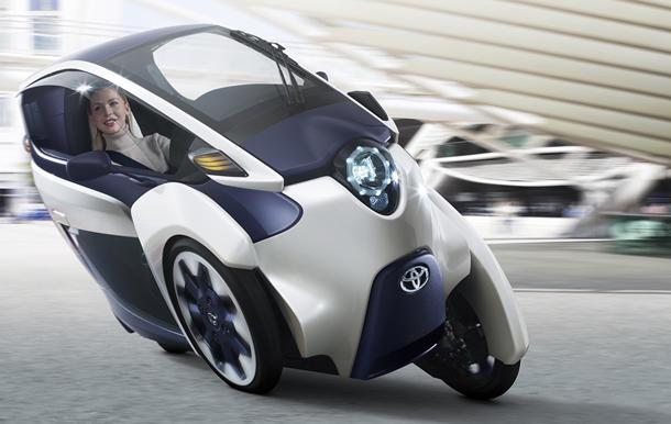 Toyota i-ROAD concept revives the three-wheel microcar