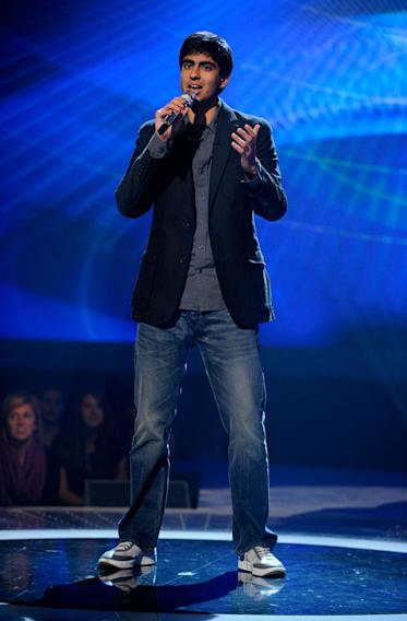"Anoop Desai performs ""Angel of Mine"" by Monica on""American Idol."""