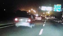 天外飛來保麗龍 國道1號新營段5車遭砸