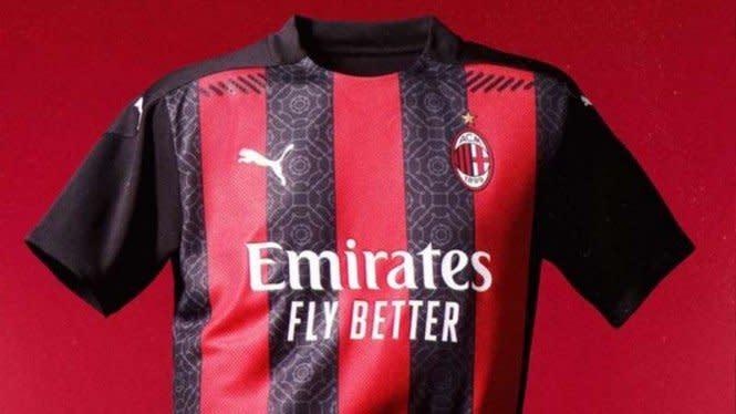 AC Milan Rilis Jersey Baru, Nama Sponsor Berubah