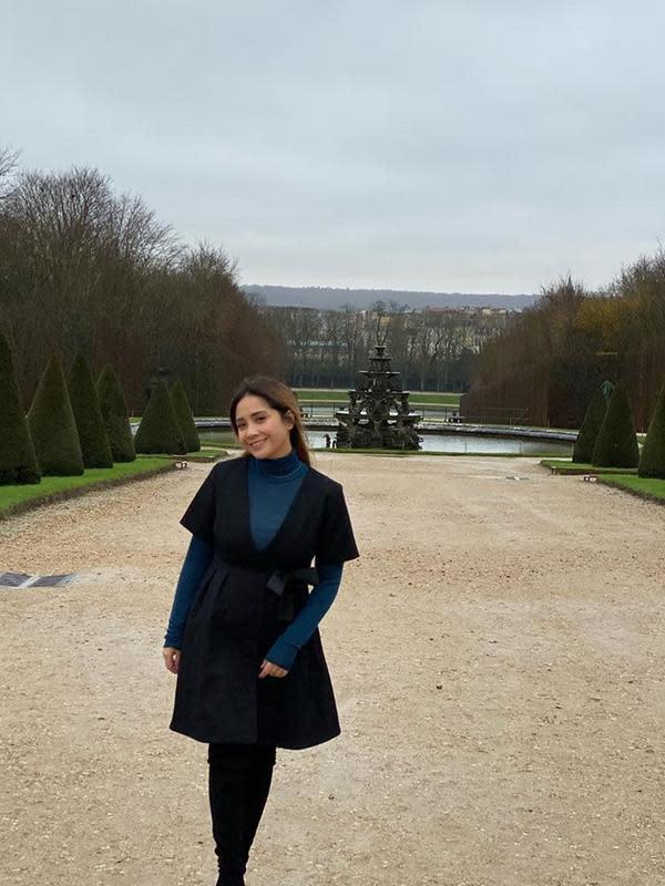 Nagita Slavina saat pelesir ke Prancis. (dok. Instagram @raffinagita1717/https://www.instagram.com/p/B5-45GFBVkV/Putu Elmira)